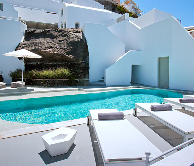GRACE SANTORINI, GREECE private pool and beds