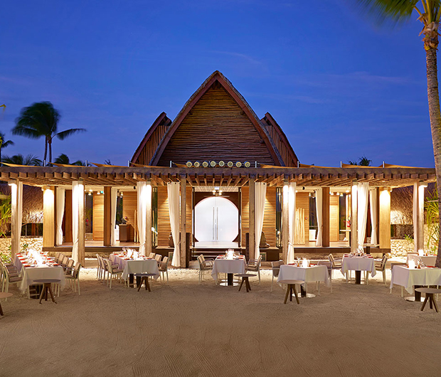 THE BRANDO, TETIAROA, FRENCH POLYNESIA outside dining area